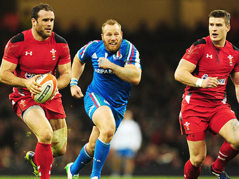 Large wales v italy
