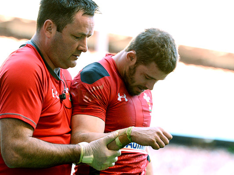Large leigh halfpenny injured