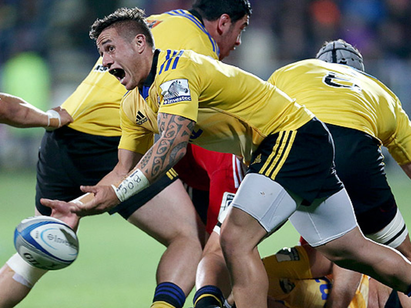 Large tj perenara hurricanes pass