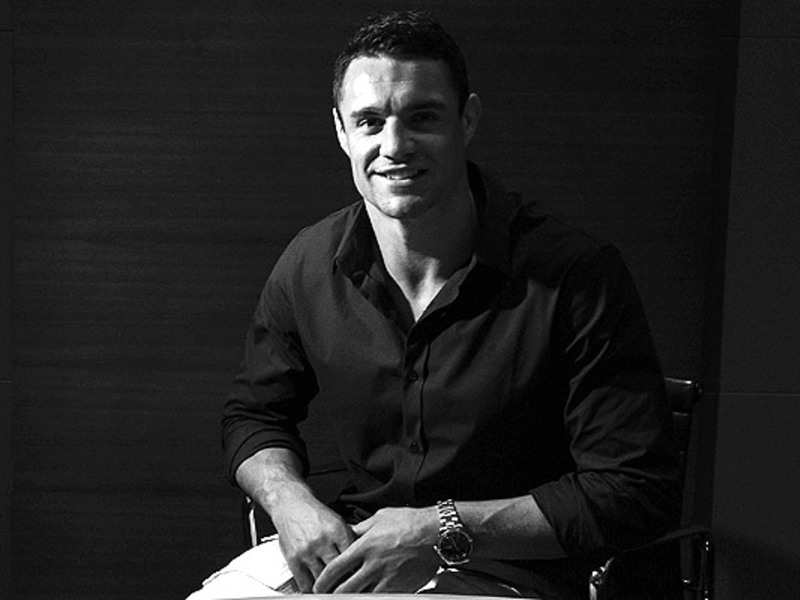 Large dan carter b w