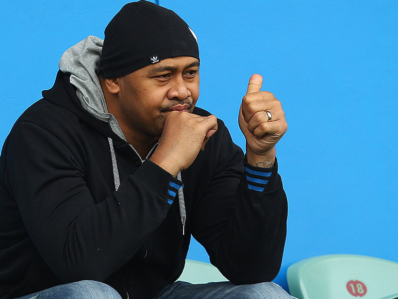 Large jonah lomu thumbs up 800
