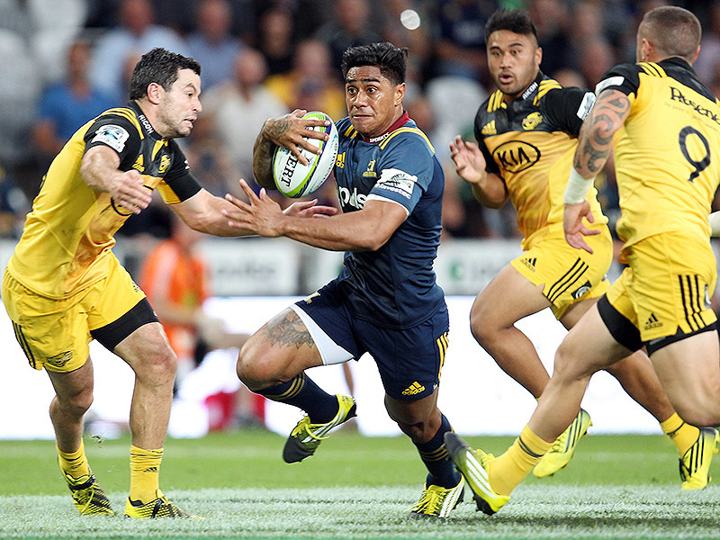 Large malakai fekitoa highlanders run 800