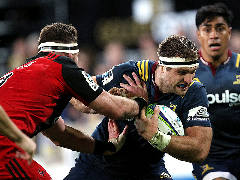 Large luke whitelock hand off 800