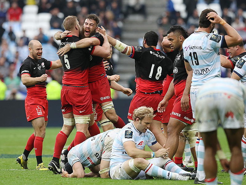Saracens players celebrate 800