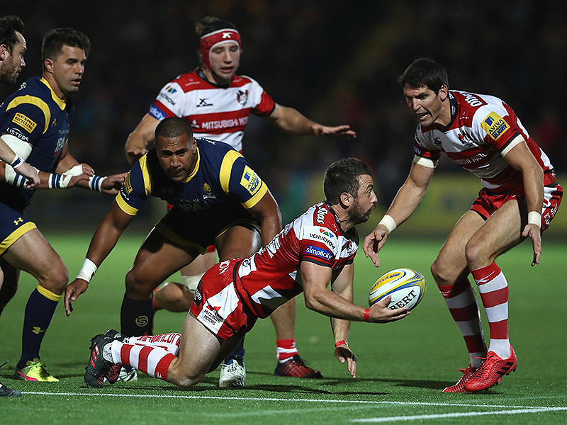 Large greig laidlaw gloucester offloads 800