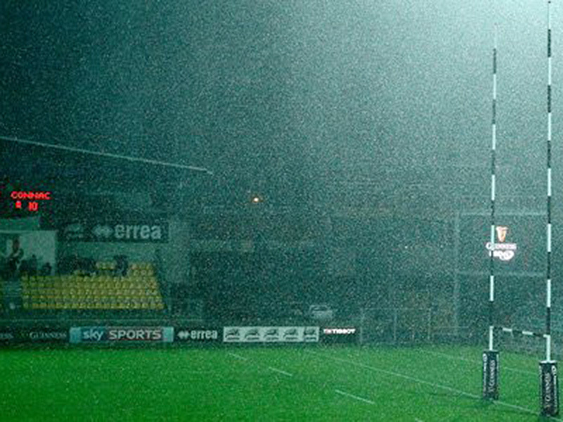 Large zebre stadium rain 800