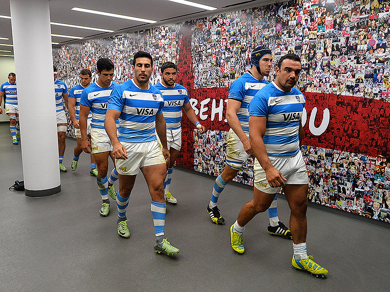 Argentina players walk twickenham 800