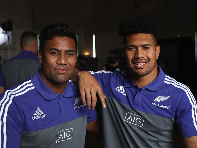 Large ardie and julian savea 800