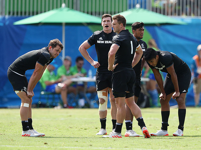 Large all blacks sevens tired 800