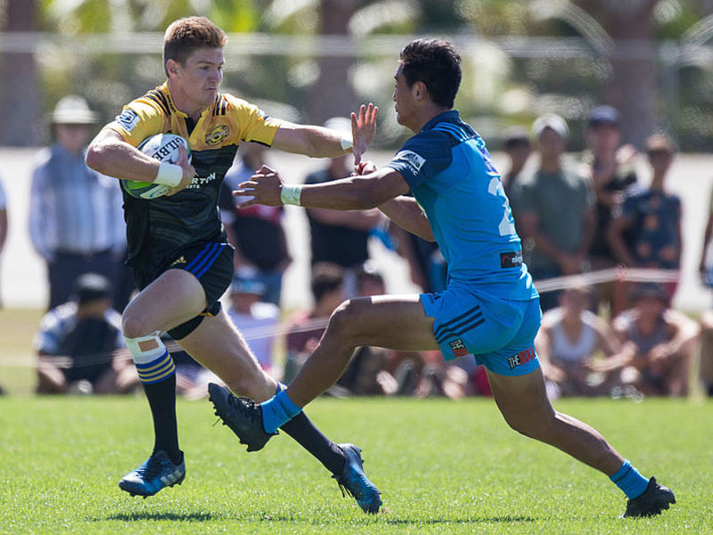 Large jordie barrett hurricanes v blues