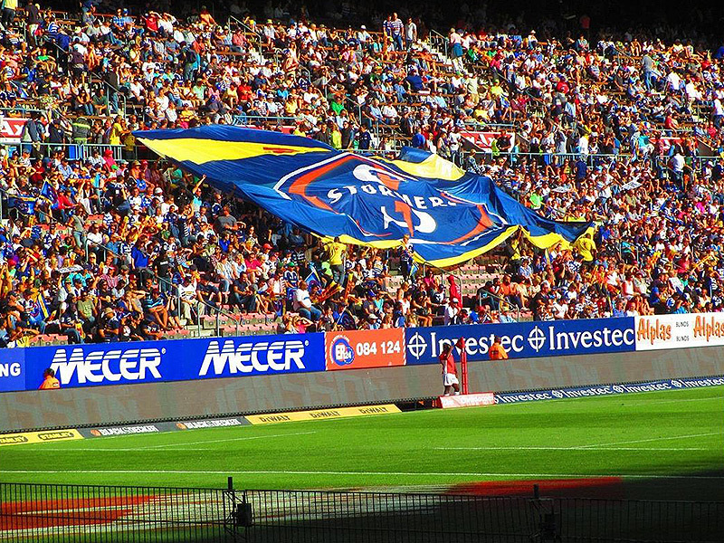 Large stormers flag in crowd 800