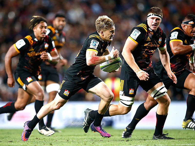 Large damian mckenzie chiefs runs 800