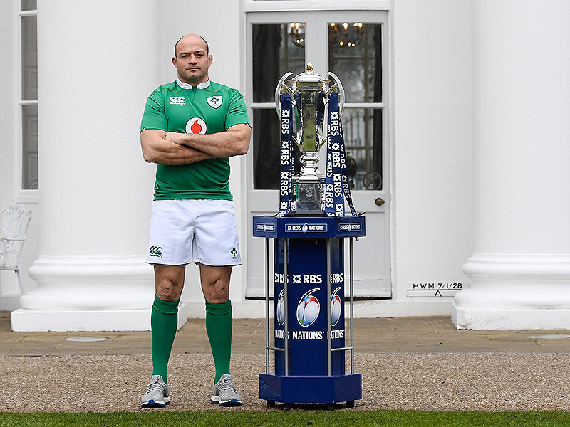Large rory best with 2017 six nations trophy 800