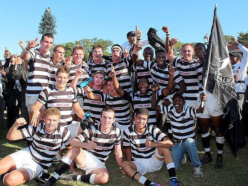 Large selborne college celebrate 800