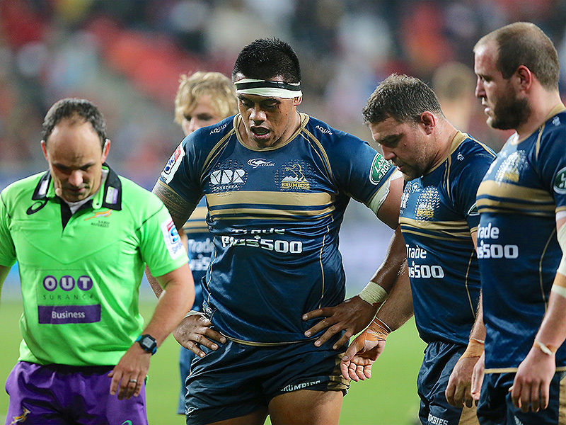 Large brumbies frontrow lines up 800