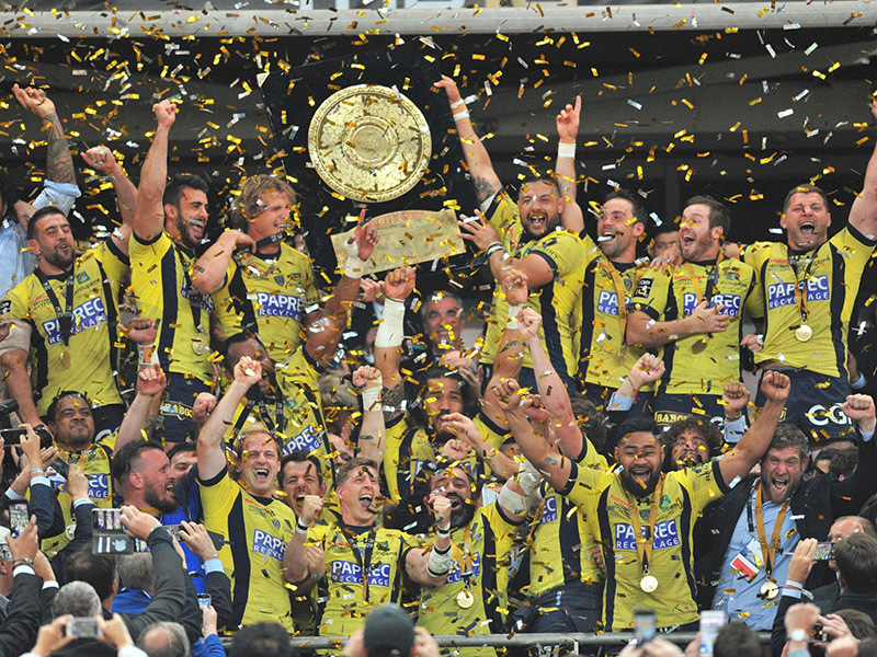 Large clermont celebrate top 14 win 800