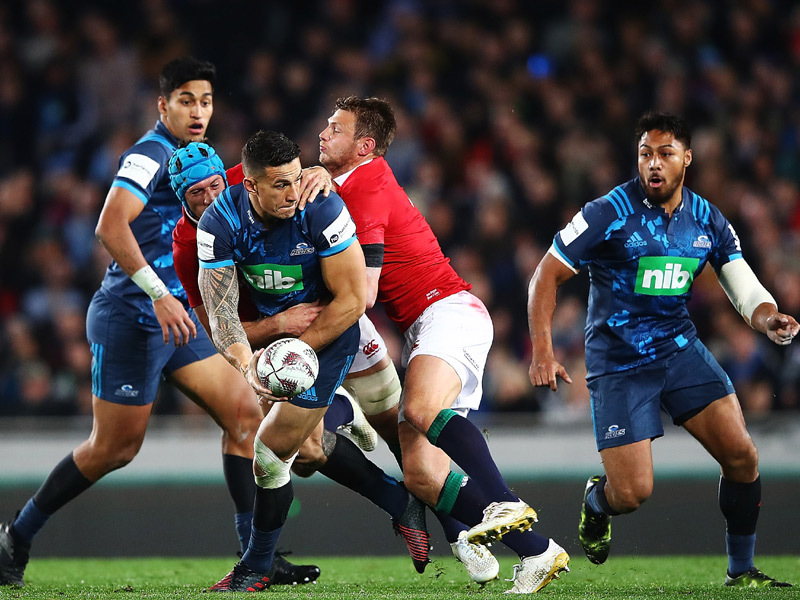 Large sonny bill williams offload