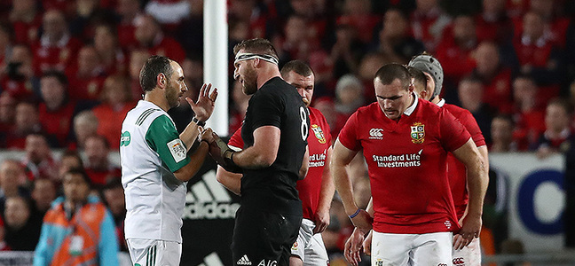 Mc article kieran read remonstrates with romain poite 800