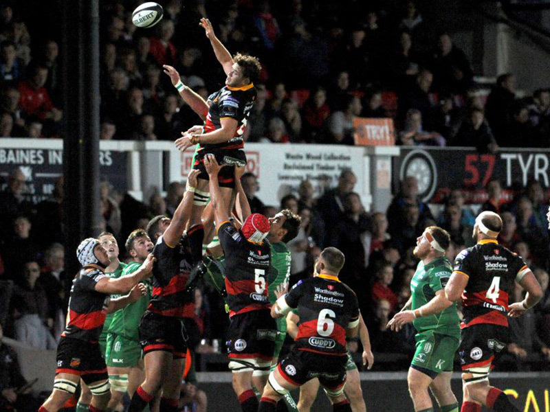 Large dragons v connacht match action 800