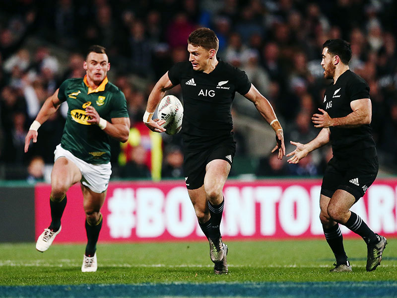 Large beauden barrett v springboks 2017 800