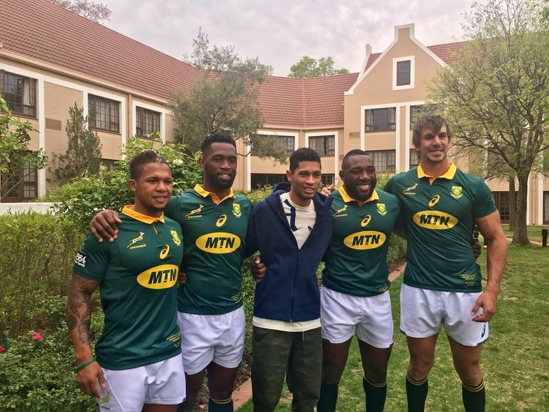 Large wayde van niekerk with boks