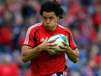 Munster hold onto flying All Black
