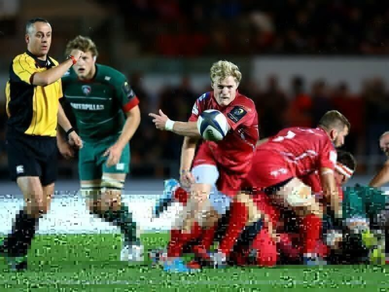 Ospreys snatch Wales scrumhalf from Scarlets