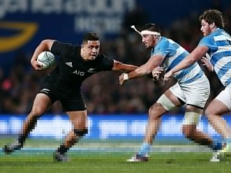 All Blacks hold off persistent Pumas