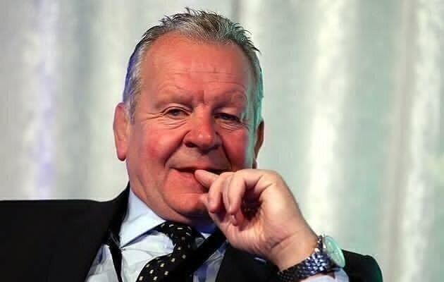 Billy becomes Sir Bill Beaumont