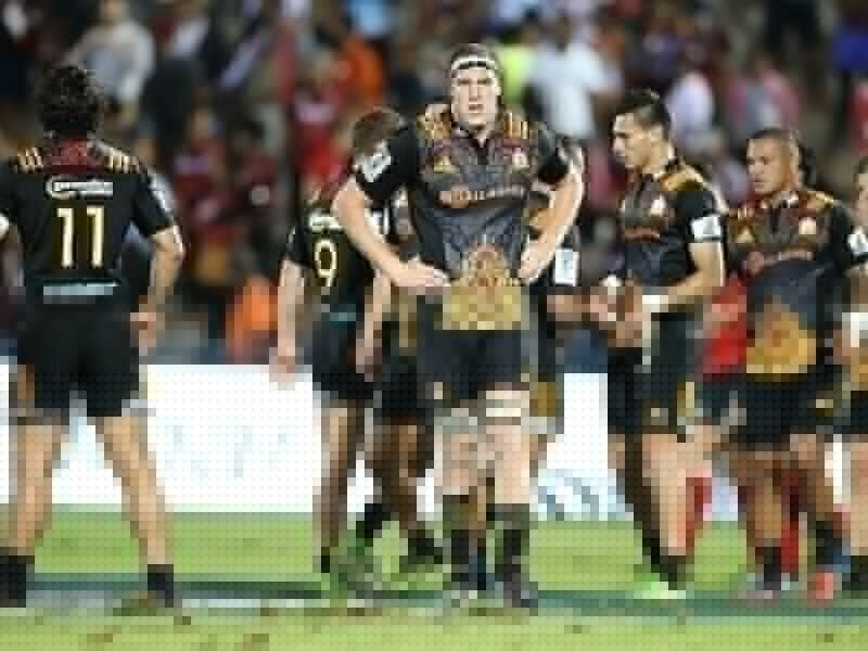 Chiefs keep star forward on ice for Stormers
