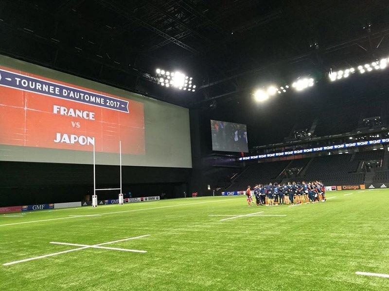Japan stun stuttering France