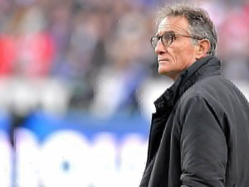 Pressure on for Noves' France