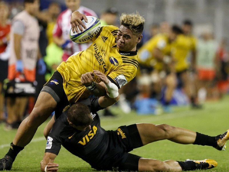 Hurricanes power past hapless Jaguares