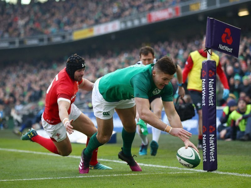 Ireland keep Grand slam dream intact