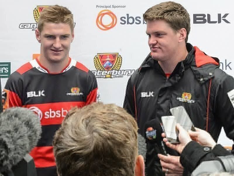 Hurricanes 'bulk up' on Barrett brothers