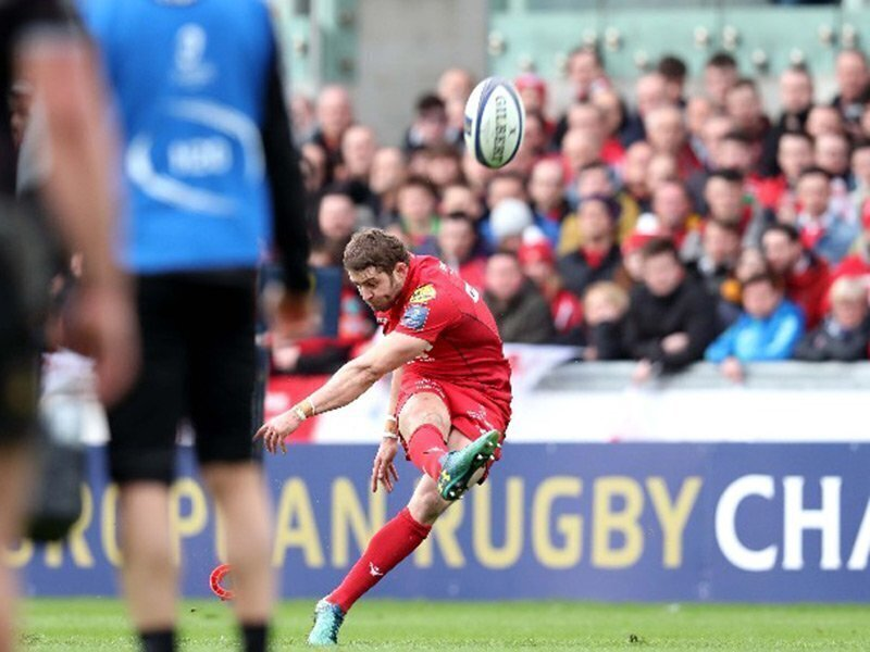 Praise for 'world best' Halfpenny