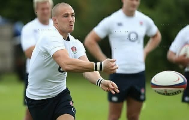 England fullback staying at Quins