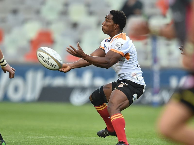 Mkhabela comes in for injured Venter