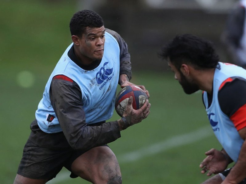 Earle swaps Sarries for Quins