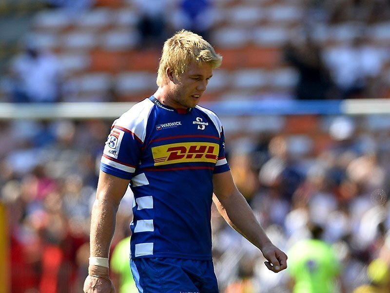 Du Toit moves to back row again