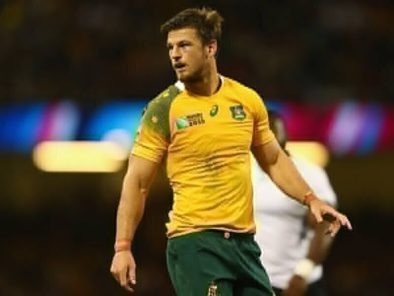 Wallaby centre forced to retire