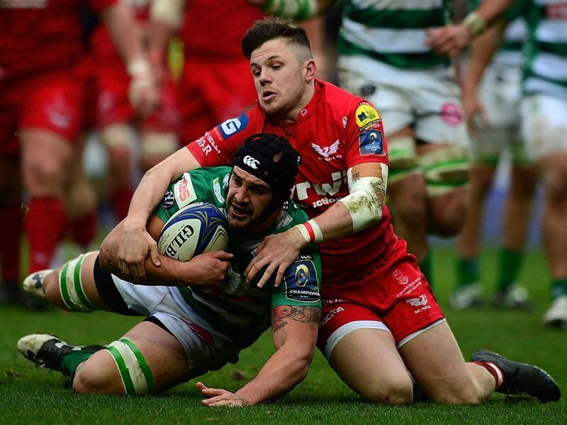 Scarlets' late show down Benetton