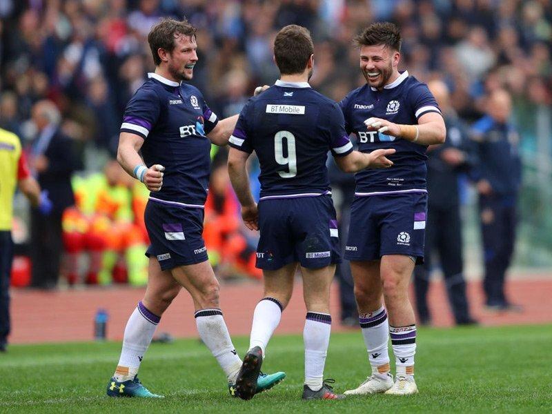 Scotland sneak late win over brave Italians