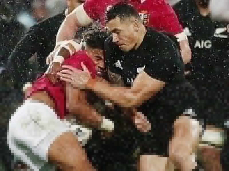 Sonny Bill made to wait