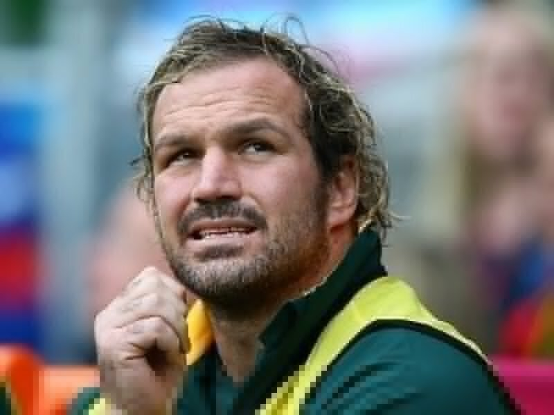 Du Plessis out for month with hamstring pull