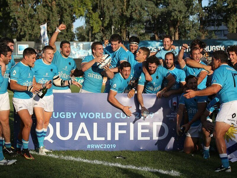 Uruguay down Canada to qualify for World Cup