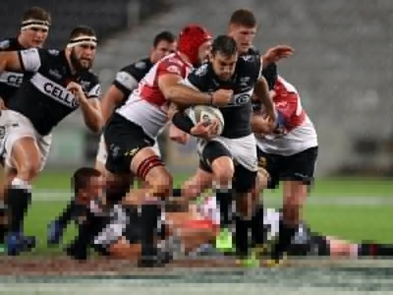 Sharks outmuscle Lions in rain