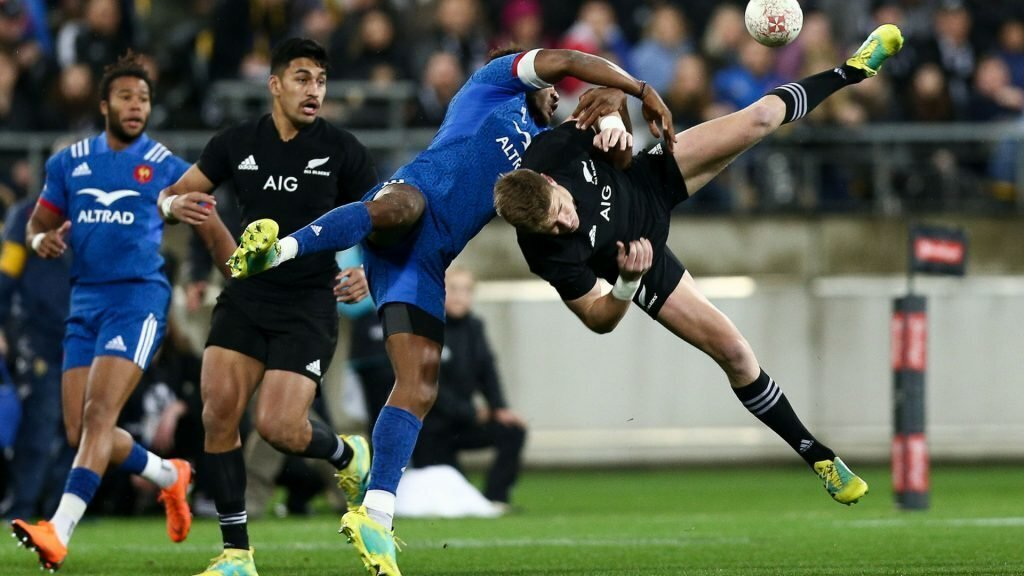 Unconvincing All Blacks beat 14-man France to seal Test series