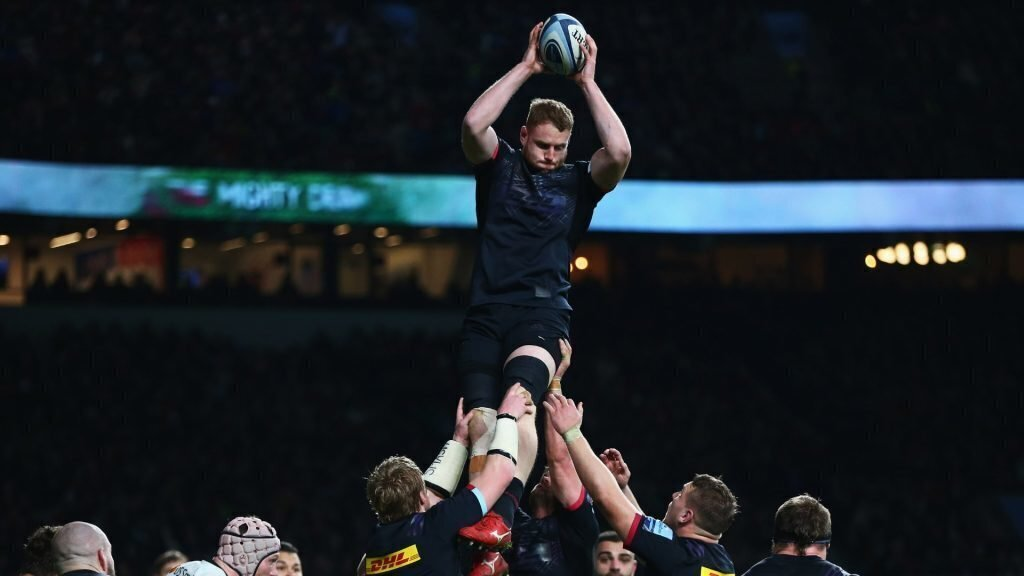 Clermont snap up English lock