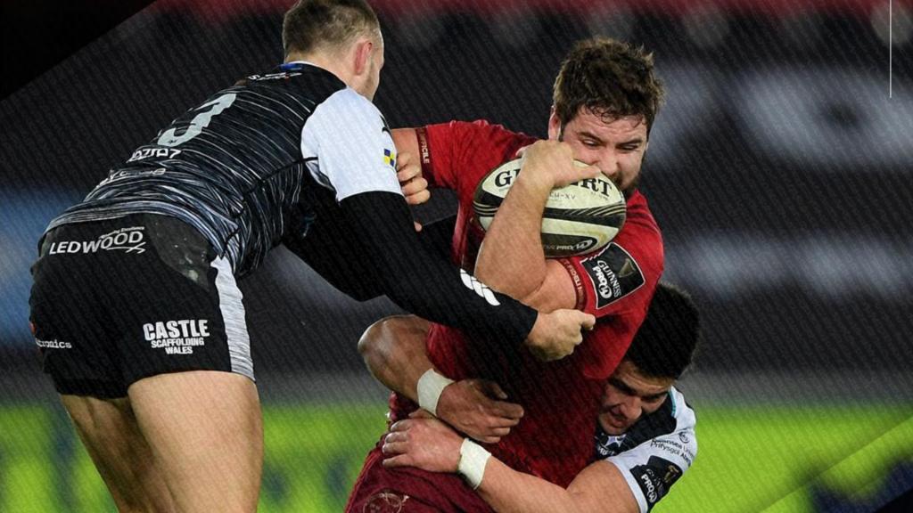 Munster hold off Ospreys